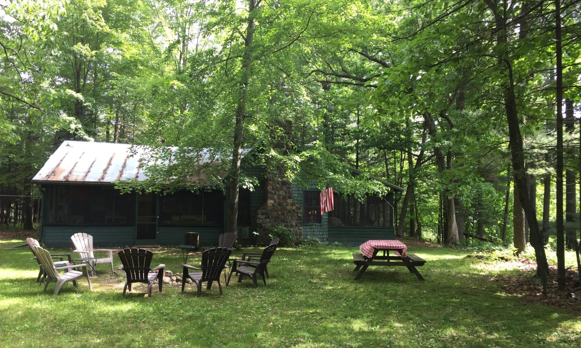 Waupaca Chain O'Lakes Vacation Rental - Castle Point Cottage